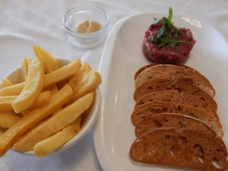 Steak tartar amb patates